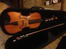 Schiller 4/4 Violin and Bow in case Lawson Blue Mountains Preview