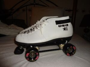 BRAND NEW RIEDELL PROFESSION WOMANS SKATES SZIE 10