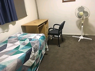 Spacious room in Dandenong North for rent to Sri Lankan student