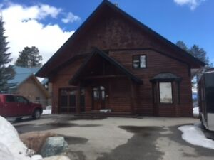 Spacious 2 Bedroom Kimberley Ski Hill Suite for Rent