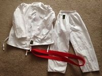 Martial arts outfit size 3/160