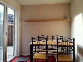 Large 1 Bedroom flat immediatly available near to city centre 5 mins from M4