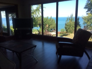 Executive furnished home on the lake