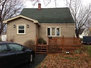 75 READ - LOWER LEVEL HOME - NEAR MONCTON HOSPITAL