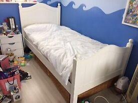 White single bedroom furniture set