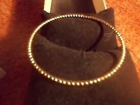 LADIES 9ct GOLD PLATED BANGLE / BRACELET ** 7 GRAMS * CLACTON ON SEA - CO15 6AJ