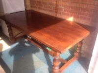 ENGLISH OAK DINING TABLE AND 6 CHAIRS