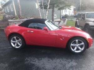 2008 Pontiac Solstice Red Coupe (2 door)  MINT