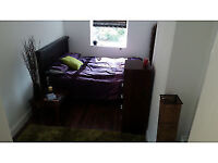 Double Room Low Rent (£475 pcm) & Deposit (£295) Close to Romford Station