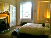 Comfy, homely and spacious 4 bedroom flat in central location... Great rates from £350 per week!