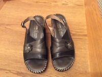 Ladies Fly Flot Dream Leather Sandals
