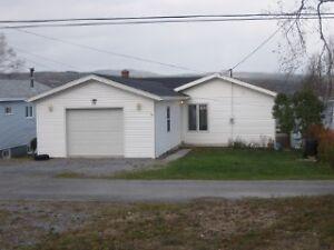 Lake Front home for sale! 15 Lakeshore Drive, Pasadena