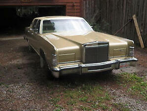 1979 Lincoln Continental Town Car. Low KM.