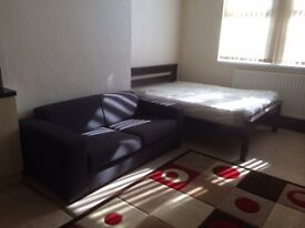Superb furnished 1Bed self contained Flat. £395 pcm includes bills