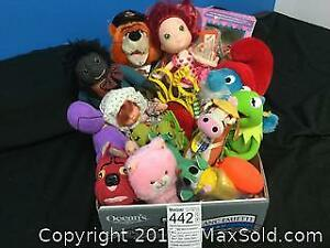 Tray Of Stuffies Whats Your Dream Pet Beast, Kermit