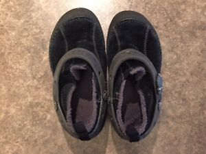Boys or Girl's Black Fuzzy Crocs; Great for Fall;Size 13 Youth