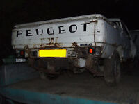 PEUGEOT 504 PICKUP TRUCK REAR AXEL Breaking for parts