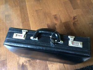 Briefcase Mallette
