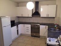 White, high gloss kitchen for sale incl ALL appliances, microwave, sink, taps, worktop EVERYTHING!