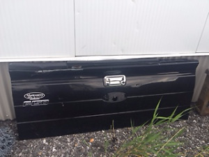 TAIL GATE FORD F150 2013
