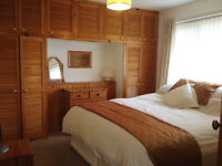 Choice of two double rooms in friendly shared house. Quiet cul-de-sac location