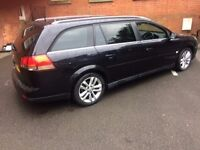 vectra estate in black with tinted windows imaculate