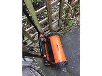 VonHaus Manual Cylinder Lawn Mower 15/201 30cm With Grass Bag And Instructions