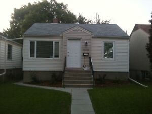 Bright and Cozy 2 Bed Suite Near Whyte Ave. Utilities Included.