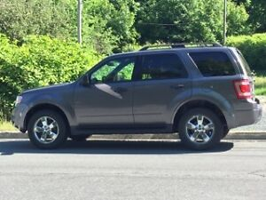 2011 Ford Escape XLT - Fully Loaded
