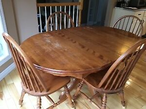 Solid Oak Kitchen Table with four chairs