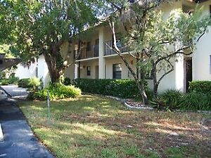 2 BEDROOM 2 BATH CONDO IN NAPLES FLORIDA