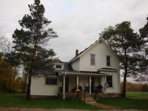 Farmhouse for rent, 15 min from Owen Sound