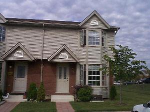 Nice townhouse! 50 Chapman Crt 52