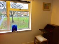 Double Room in Quiet Family House in Northway/Headington