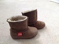 Fit Flop Unisex Fur Lined Boots in UK Infant Size 10