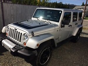 2012 Jeep Wrangler Unlimited 4 door Silver Automatic