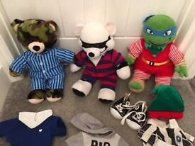 Build a Bear wardrobe, 7 bears and outfits