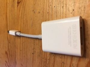 Apple USB to VGA adapter