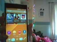 sony experia z1 white 12gb back is cracked and may need new battery but can be seen working