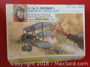 Model Airplane 1/72 Scale New Old Stock