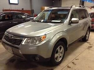2009 Subaru Forester Premium X LOW LOW Kms, like new shape!