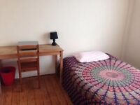 Double room in Clifton in share flat.
