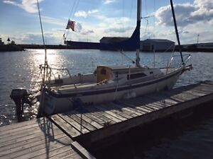Immaculate 1983 O'Day 23 Sailboat