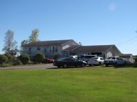 Beautiful 4 Bedroom, 20 Acres, Large Barne and Family Restaurant