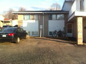 3 Bedroom House,Orleans-1495 (ALL UTILITIES INC)-Available Imm
