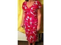 RED & WHITE PATTERNED DRESS - Size 12 (Eur 38)