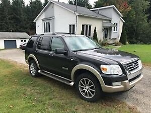 Ford Explorer 2007 (7 passagers)