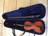 3/4 size good condition, some wear and tear, see photos. Bow good condition