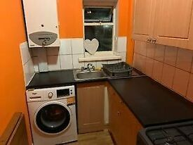 Lovely 1 bed flat, 1.5 Miles from Manchester City Centre, free Wifi £123pw
