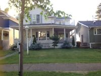 4 rooms for rent in a residential house